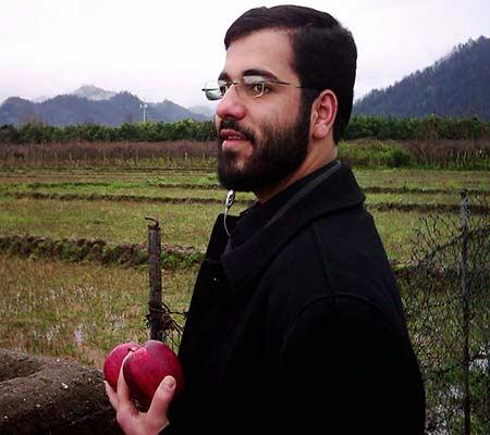 دانلود مداحی سیب سرخی شب تاسوعا محرم ۹۳